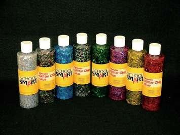 Colle scintillante avec confettis School Smart Image